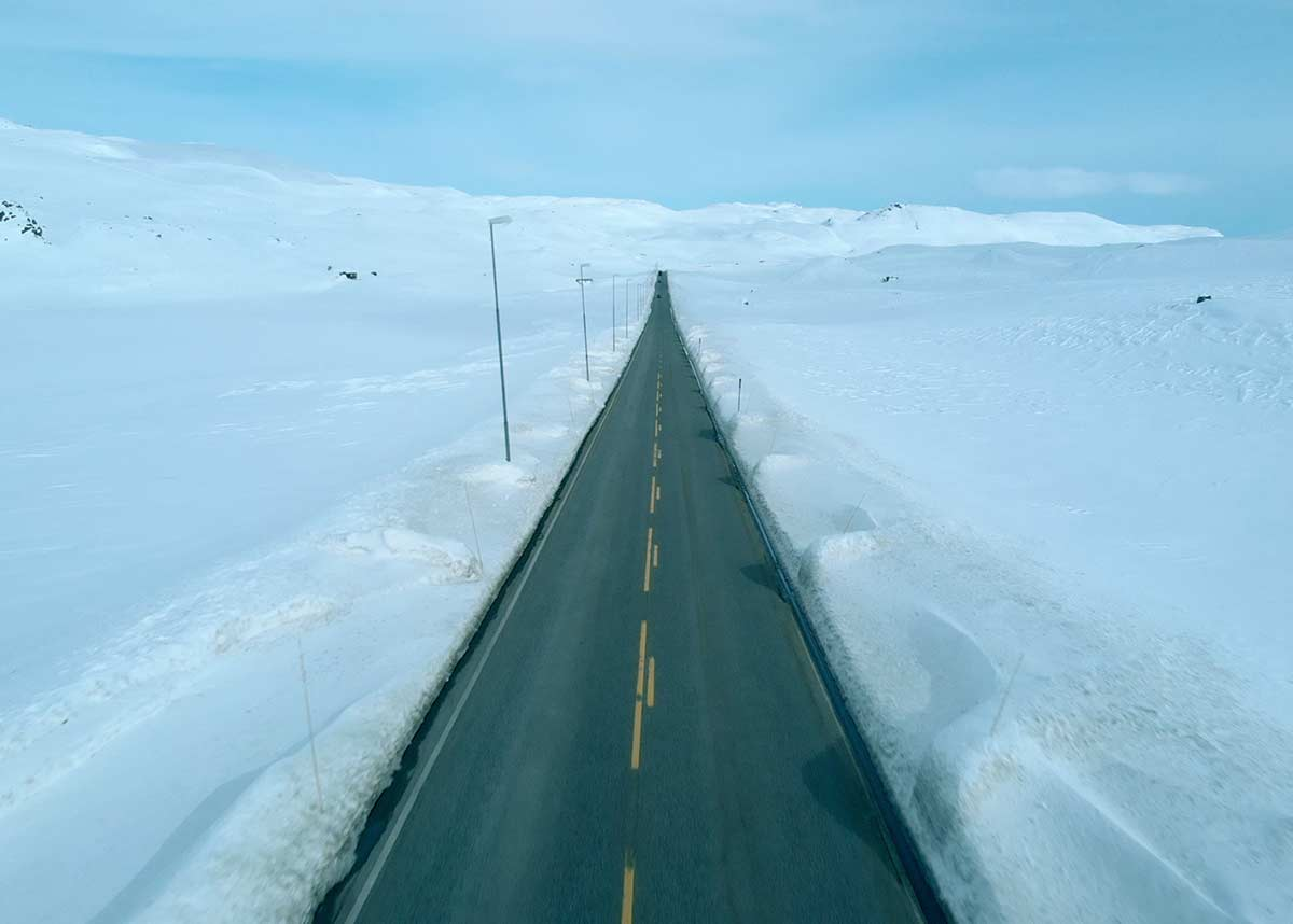 Filefjell, drone, snø, rett vei